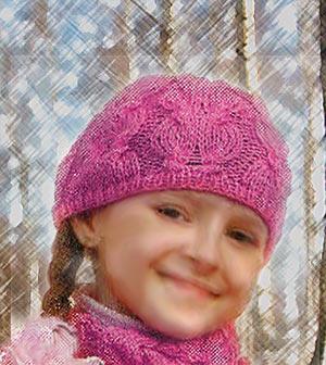 Ваша дочка будет с юных лет осознавать свою женственность, если вы привьете ей чувство вкуса в одежде. Эта красивая детская шапка очень украсит вашу дочку в