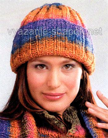 Вязание шапок с отворотом спицами.