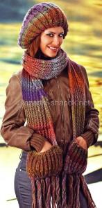 берет спицами и шарф с карманами